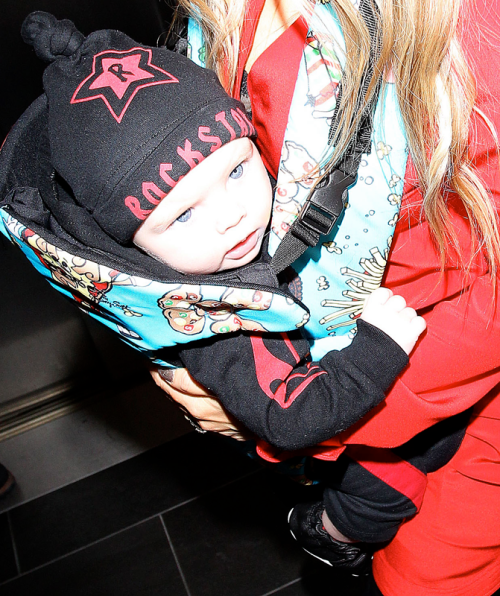 http://coolcrazykidsstuff.blogspot.com/2014/05/axl-jack-and-fergie-show-psychobaby.html