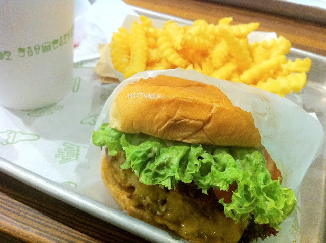 Shake Shack London Covent Garden review shakestack burger