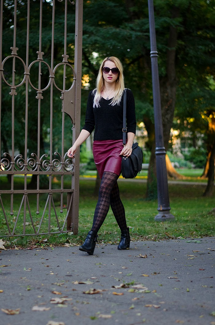 Charme houndstooth tights burgundy faux leather skirt H&M