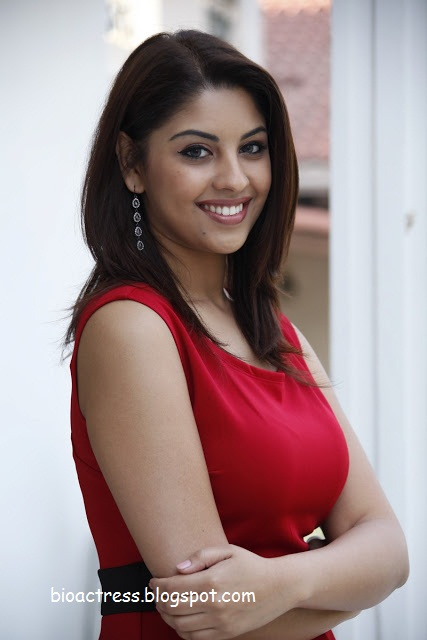 Richa gangopadhyay very hot and sexy photoshoot