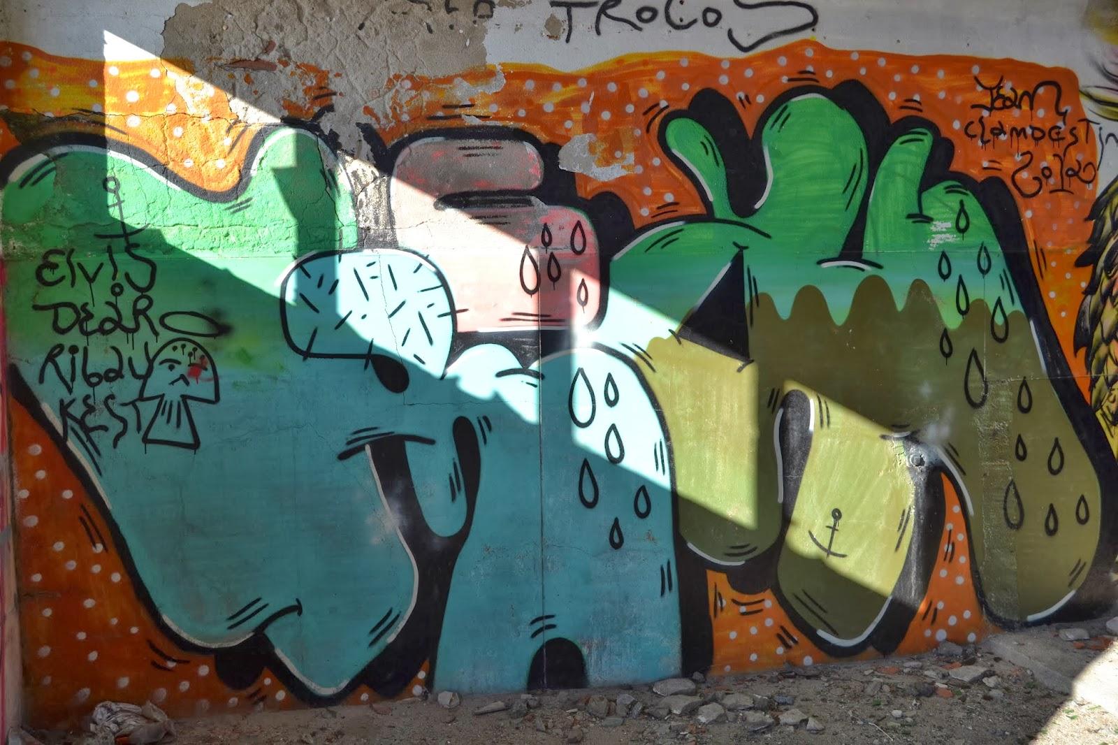 Porta aberta imagem e comunica o significado de grafite for Q significa contemporaneo
