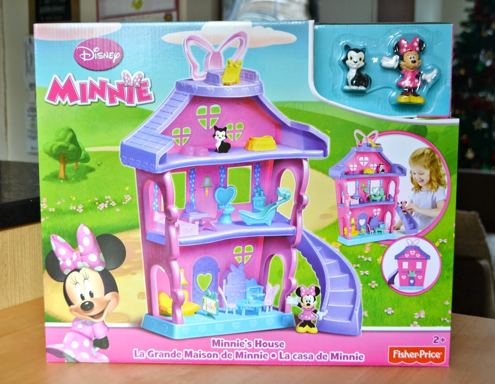 Life Through My Eyes: Review - Minnie Mouse Polka Dot House*