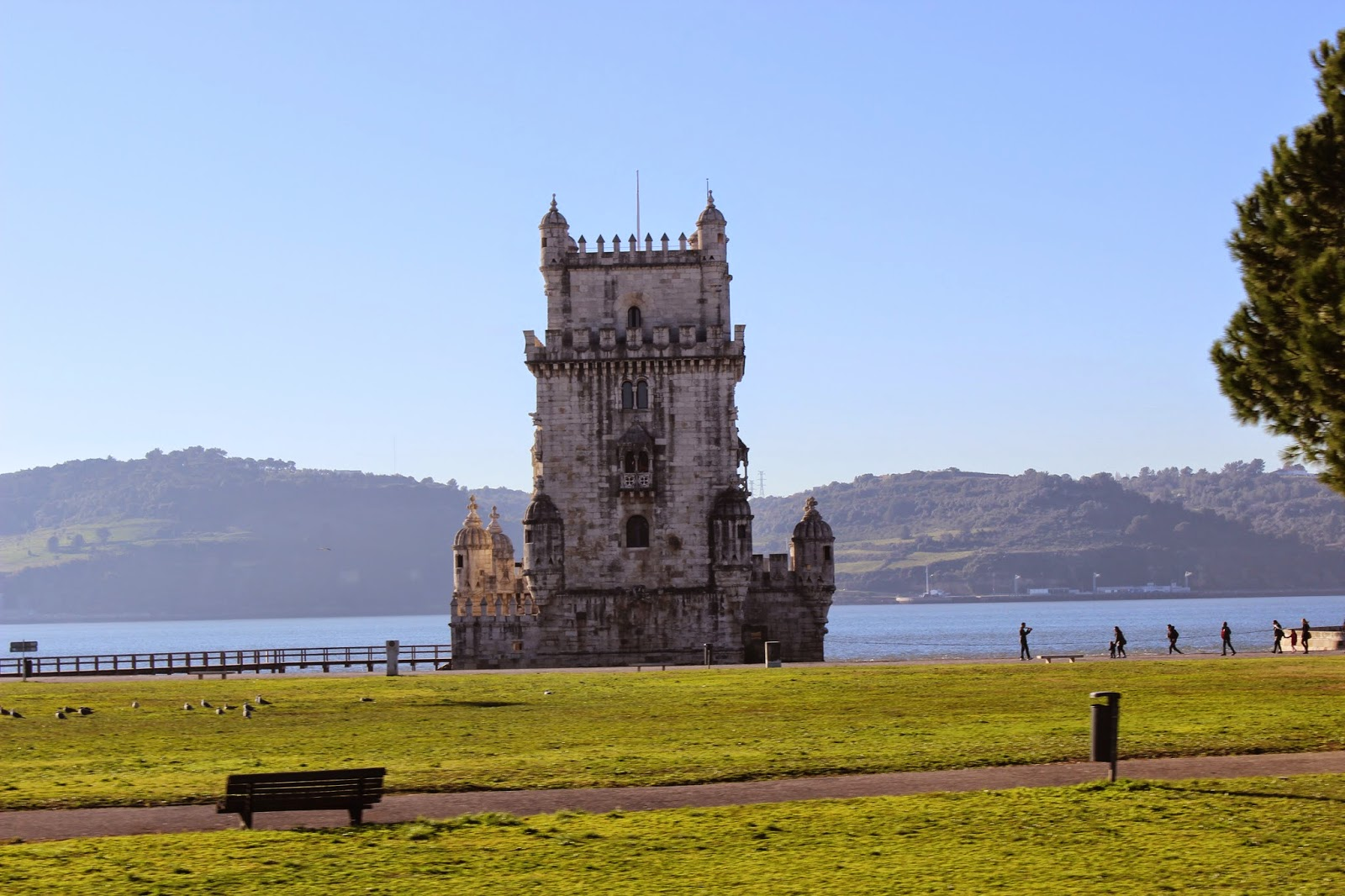 http://www.saucemagnusson.com/2015/02/the-belem-tower-and-monument-of.html