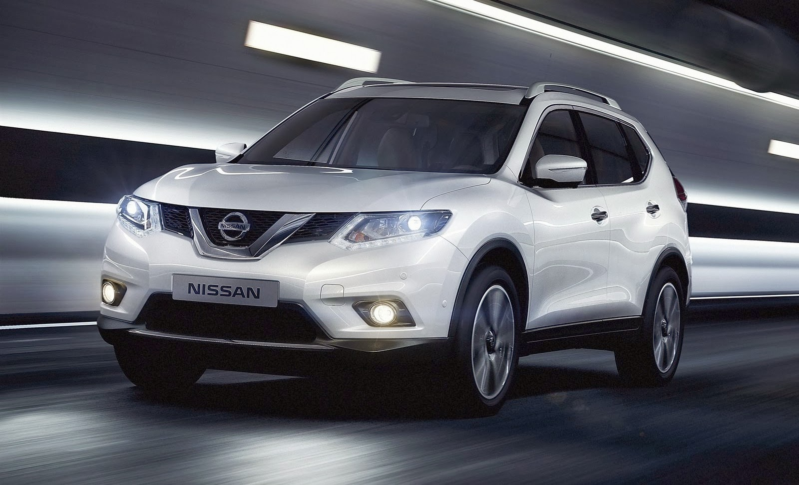 nissan x trail suv in india 2015 techgangs. Black Bedroom Furniture Sets. Home Design Ideas