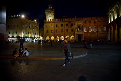 op zoek naar italie, bologna, reizen, camper