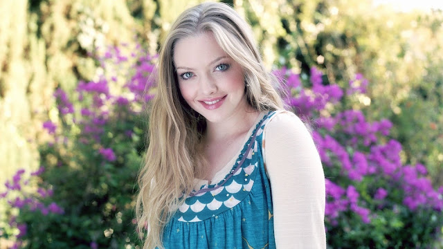 Amanda Seyfried Sweet Smile