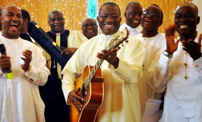 GUITAR HERO, NIGERIA GUITAR PLAYING PRESIDENT.