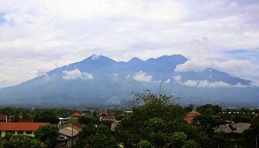 Kabut Senja Jalur Pendakian Gunung Arjuno