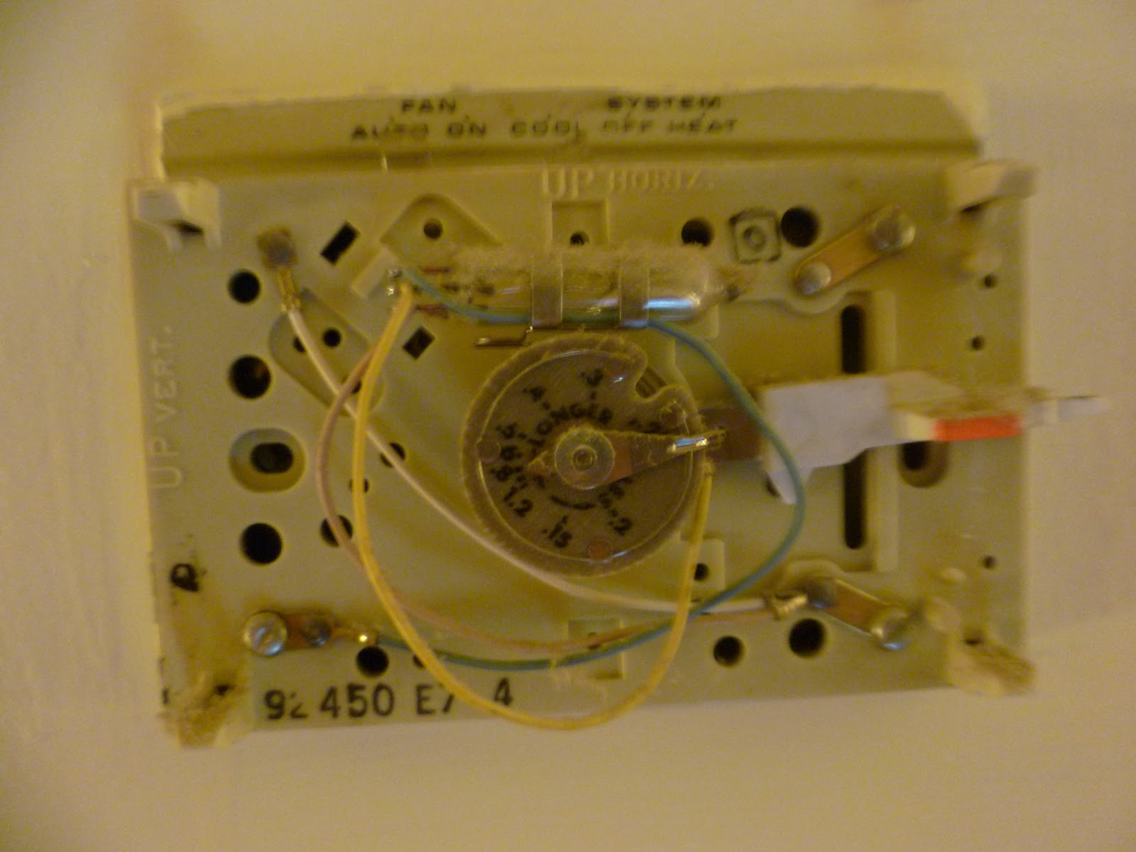Building the Heating / Air Conditioning Thermostat #B14710