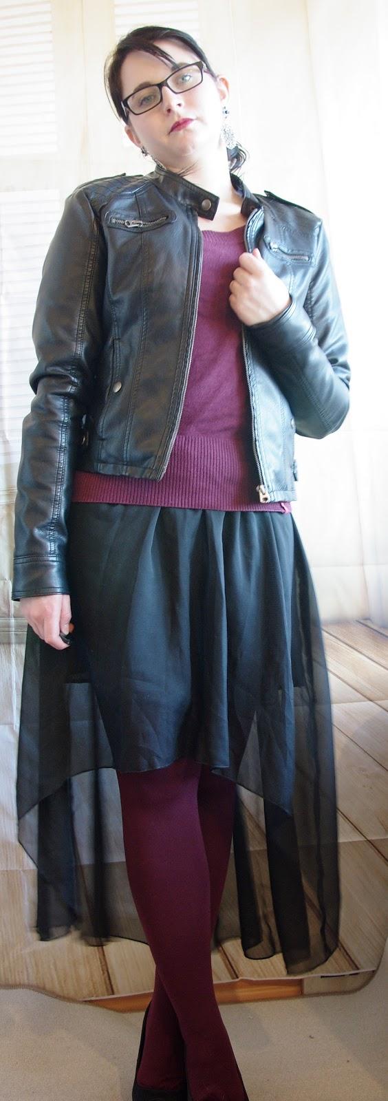 lucciola outfit vokuhila rock farbige strumpfhose und strickpullover und lederjacke winter. Black Bedroom Furniture Sets. Home Design Ideas