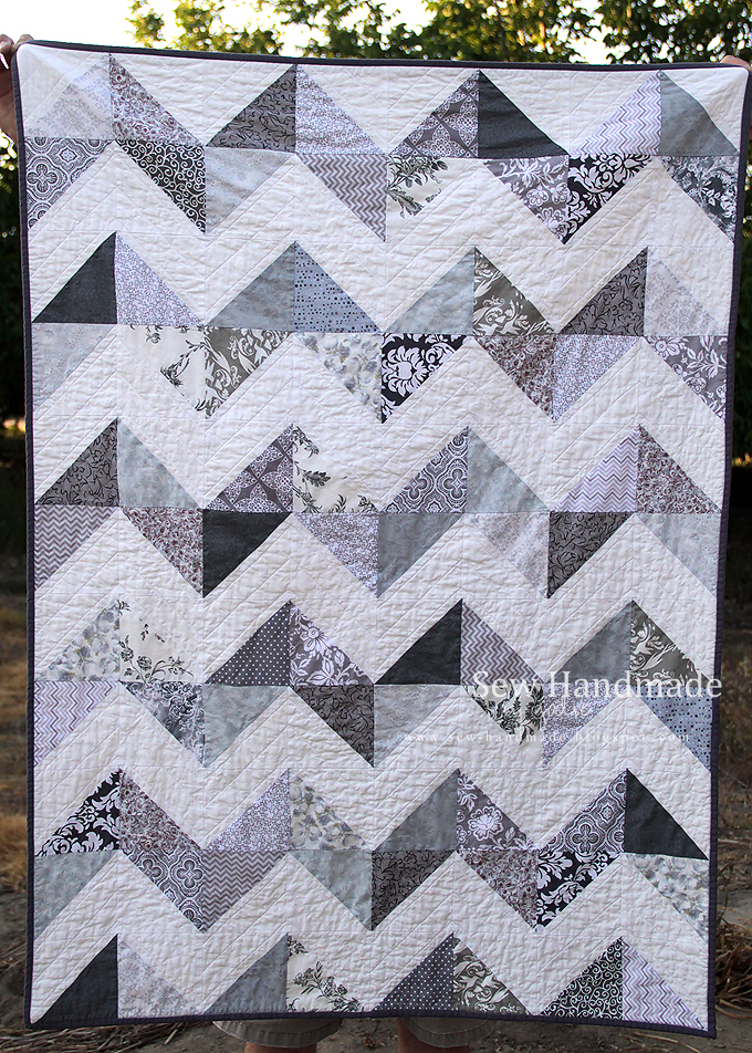 Quilting Designs For Chevron Quilts : Sew Handmade: Gray & White Chevron Quilt