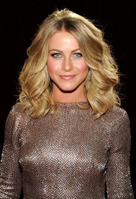 Julianne Hough Long Wavy Cut Hairstyle