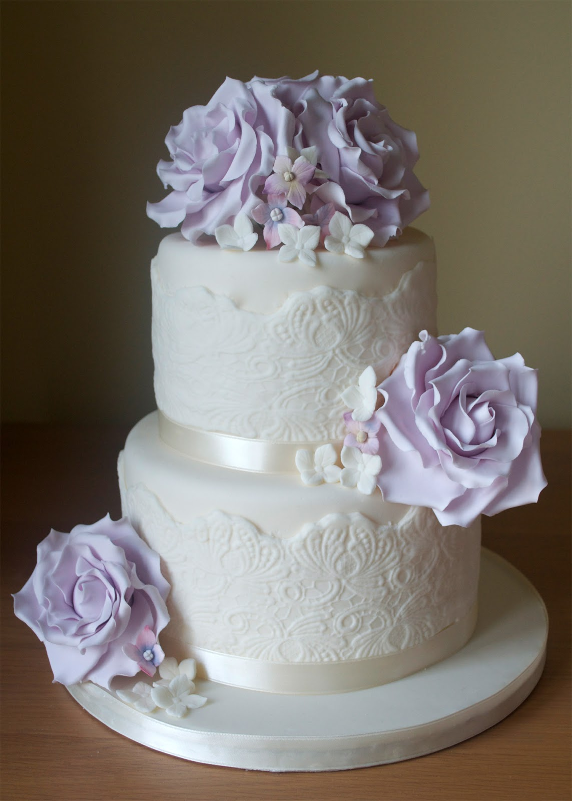 lilac roses and lace wedding cake. Black Bedroom Furniture Sets. Home Design Ideas