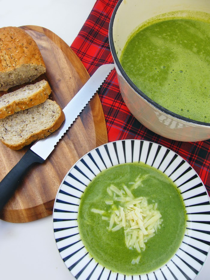 Cheesey Spinach and Broccoli Soup
