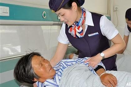 Rumah Sakit Di China Ini Suruh Perawatnya Berpakaian Pramugari