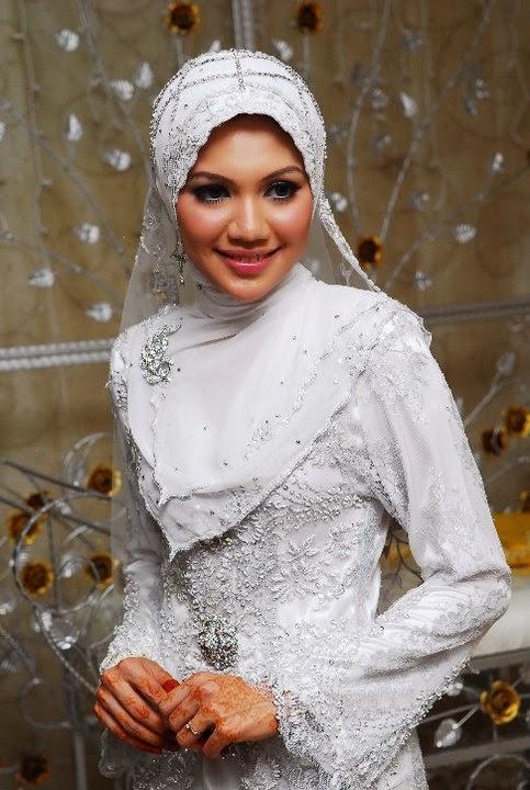 memiluh hijab pengantin
