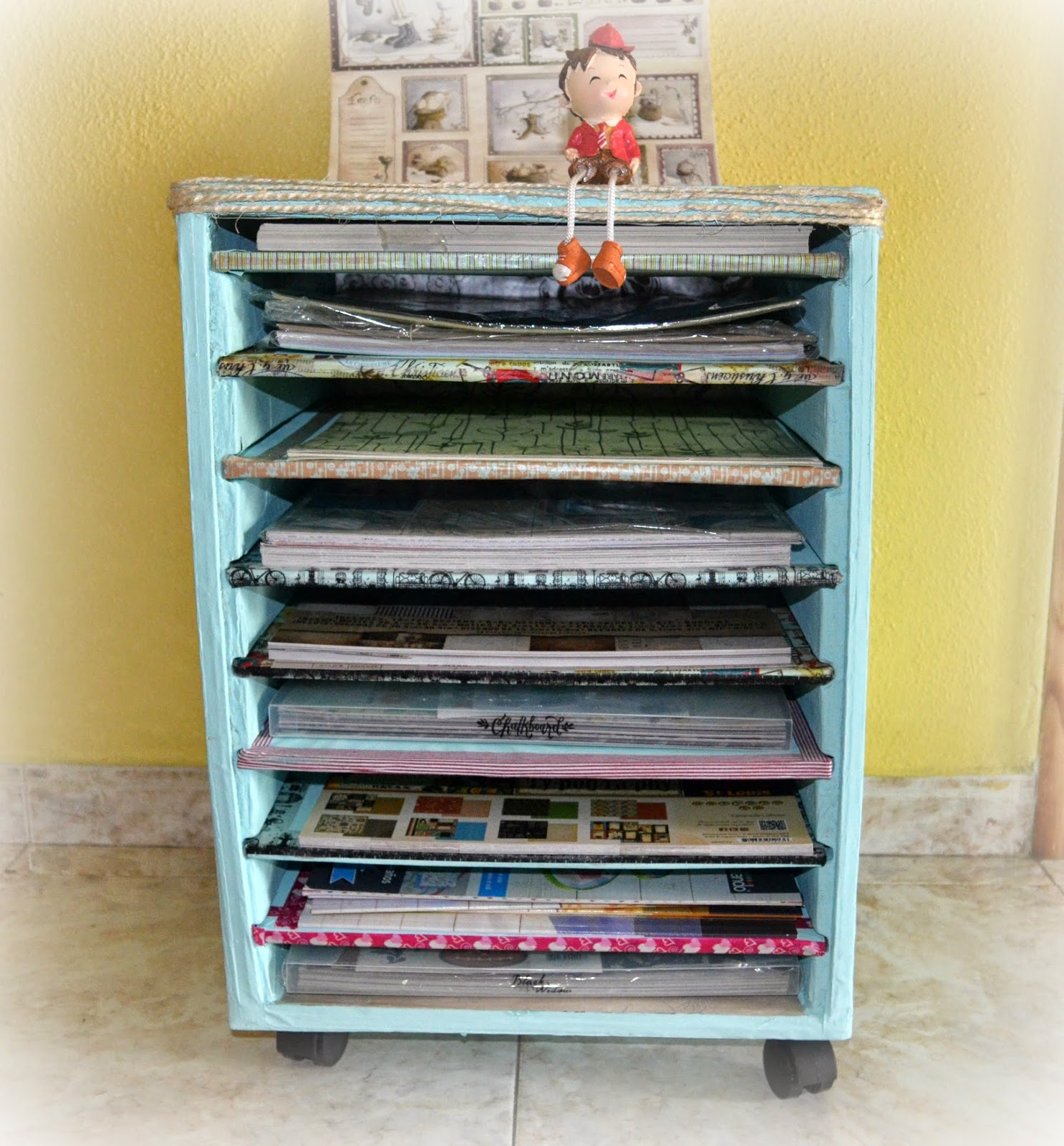 Tutorial estanter a de cart n para papeles de scrap - Ideas para organizar papeles en casa ...