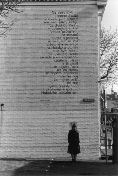 Mamma per caso poesie sui muri - Frasi sui muri di casa ...