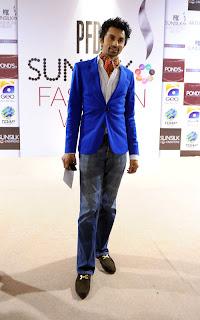 Hamza Tarrar PFDC Sunsilk Fashion Week 2011   Red Carpet DAY 1 & 2
