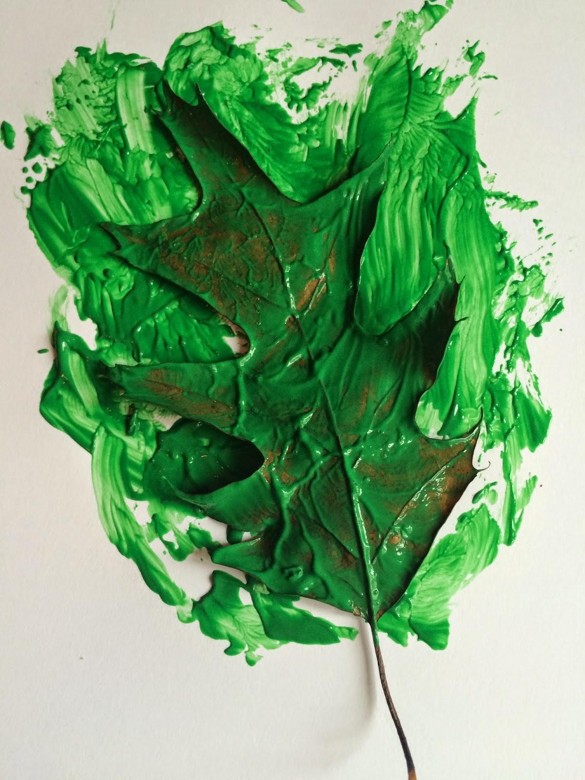 Mini Monets and Mommies: Autumn Art Leaf Prints for Preschoolers