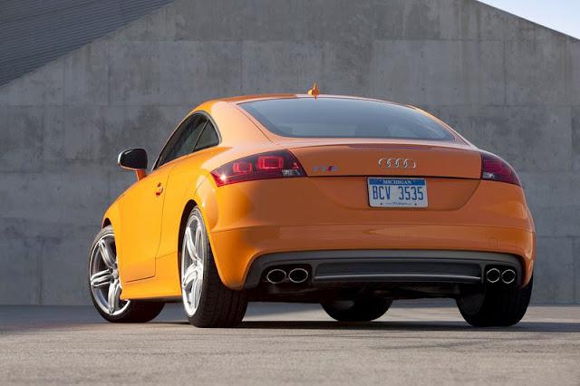 2011 Audi TTS Coupe Back Exterior