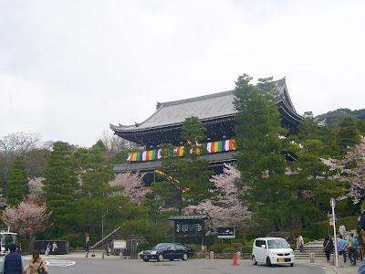 京都市・円山公園・知恩院三門