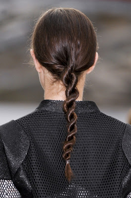 Trendy Hairdos for Long Hair