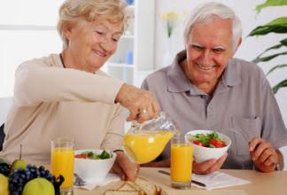 Prevenir o estado de fragilidade no idoso com a alimentação