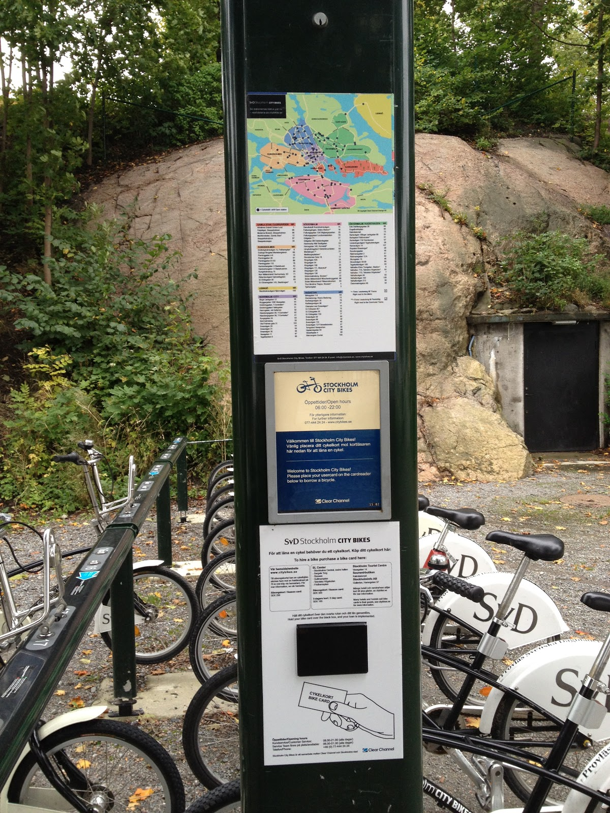all bike stations in Stockholm have the same general setup