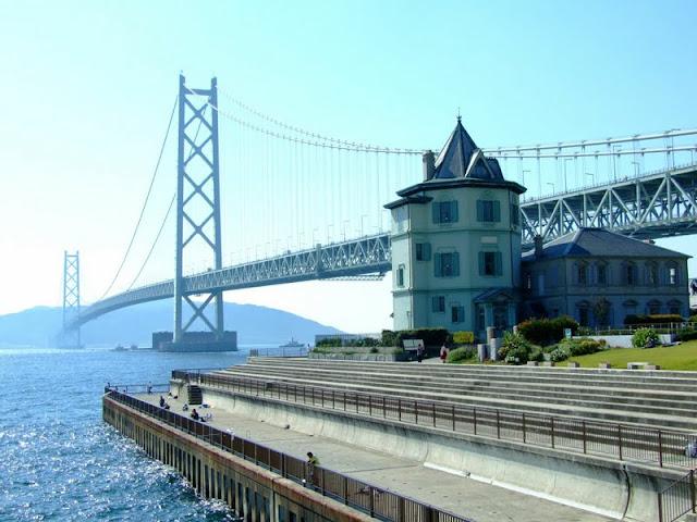 Мост Акаси Кайкё в Японии