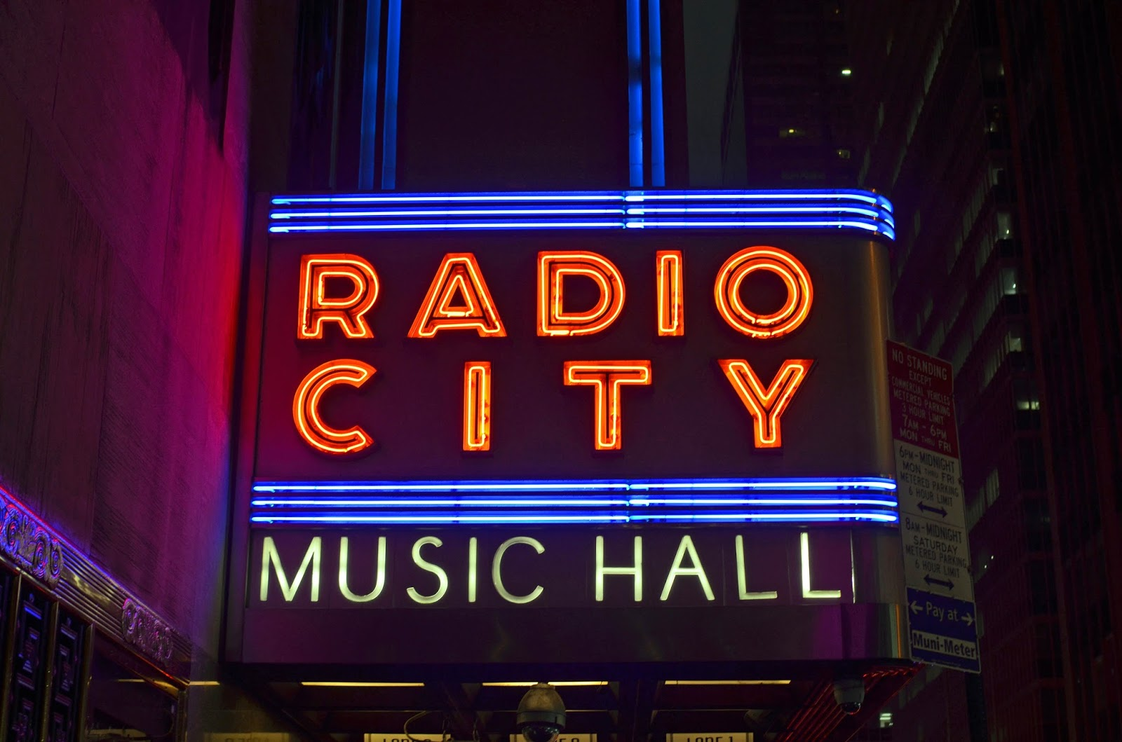 We Took the Road Less Traveled: NYC at Christmas: Radio City Rockettes