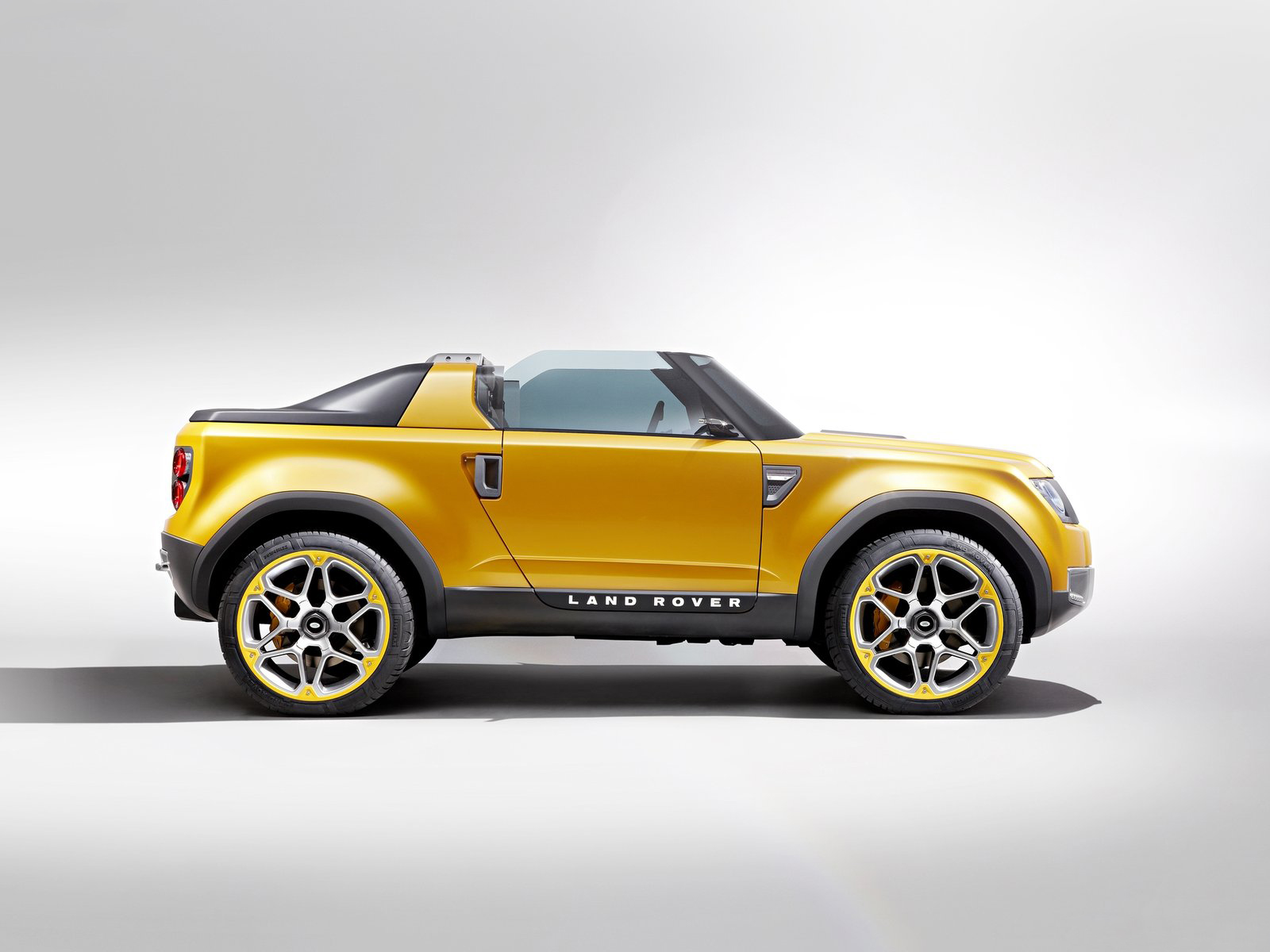 2011 land rover dc100 concept side 2 1280x960 wallpaper - 2011 Land Rover Dc100 Sport Concept Side View