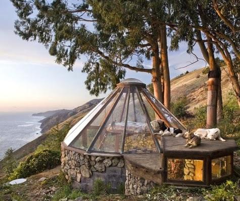 tiny glass dome cottage Big Sur