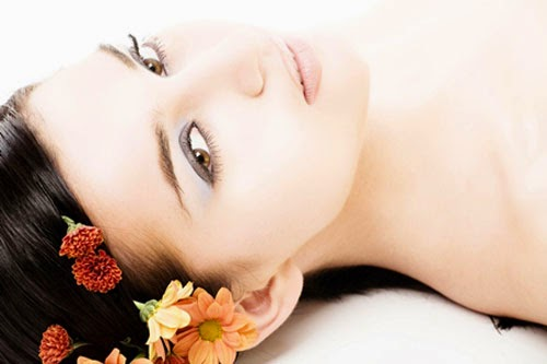 http://www.dailyhealthandbeautytips.com/2014/06/12-amazing-natural-tips-to-get-fair.html