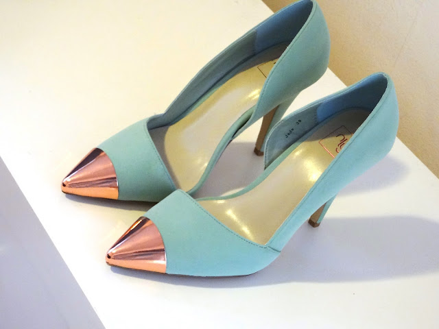 Nelly JADE Cap Toe Shoes mint green with rose gold cap toe.