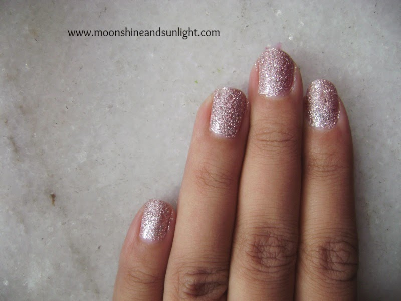 Maybelline Color Show Glitter Mania in Pink champagne review and swatches,price in India