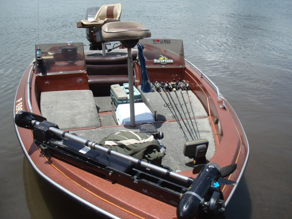 Professional gear costa rica sport fishing tours for Best freshwater fishing boats