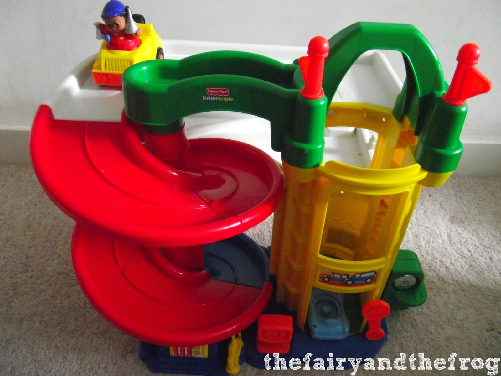 Garage Little People : The fairy and the frog: fisher price little people racing ramps