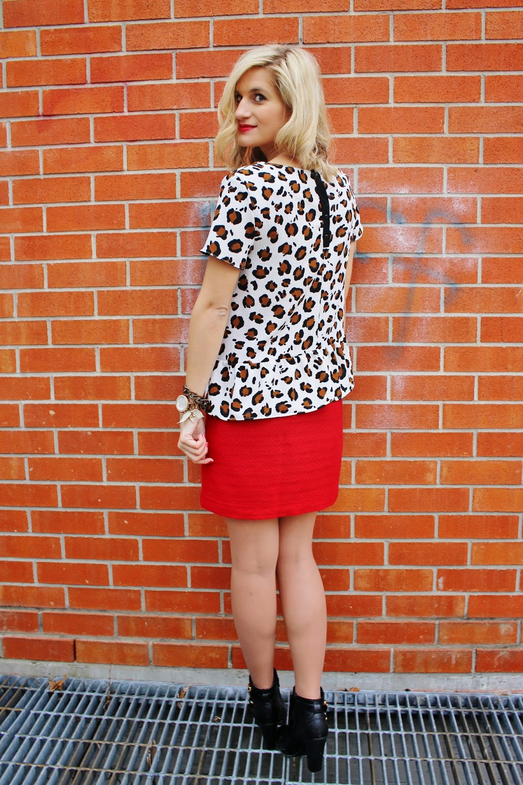 bijuleni - animal print peplum top