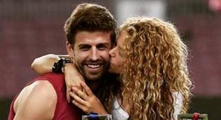 Gerard Piqué e Shakira foto