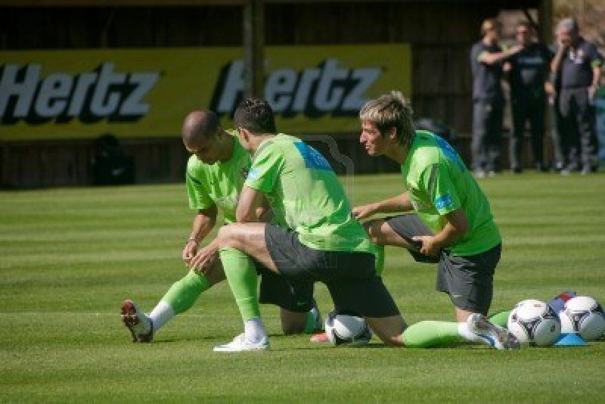 http://1.bp.blogspot.com/-UiisUZt7OO0/UUdEQ9MmFzI/AAAAAAAAAso/QXuieg8tqzs/s1600/13745411-obidos-portugal--23-de-mayo-cristiano-ronaldo-pepe-y-fabio-coentrao-jugadores-portugueses-en-la-euro.jpg