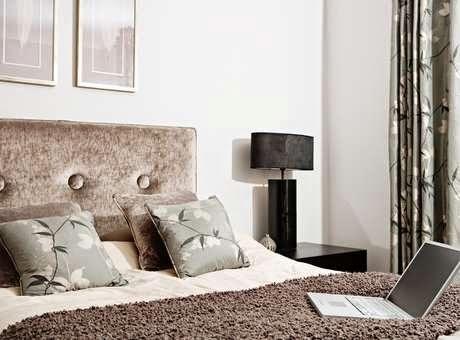 almofadas -combinar tons próximos aos da colcha