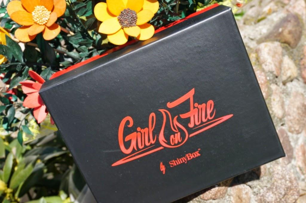 Gorąca kobieta - czyli marcowe Shiny Box GIRL ON FIRE