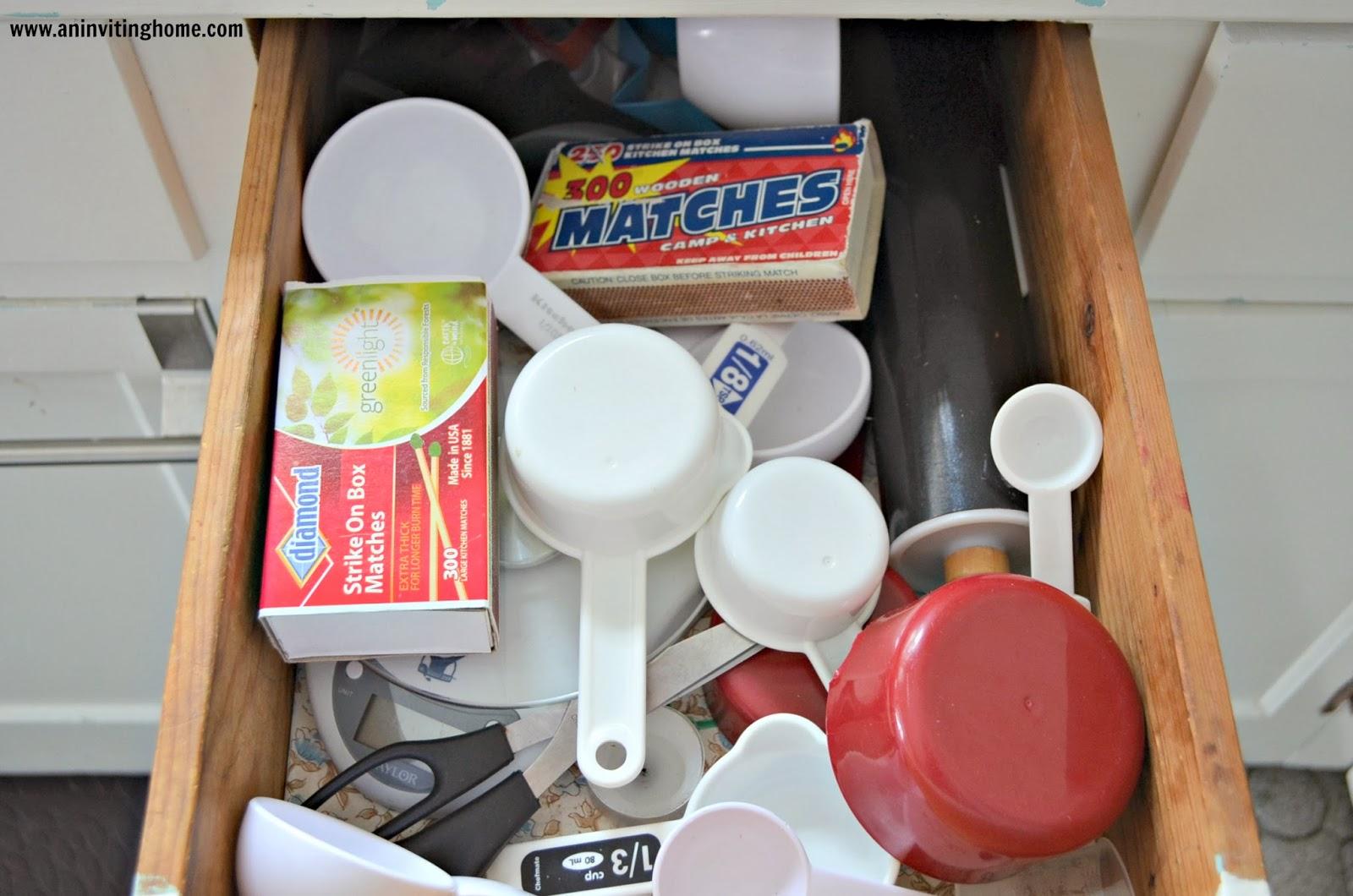 organizing measuring cups