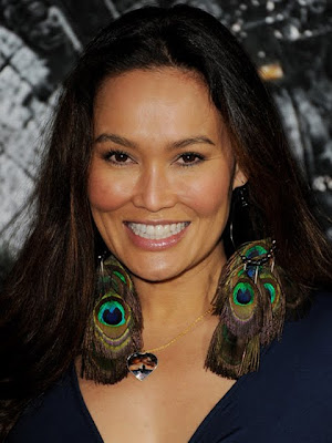 Tia Carrere Dangle Decorative Earrings