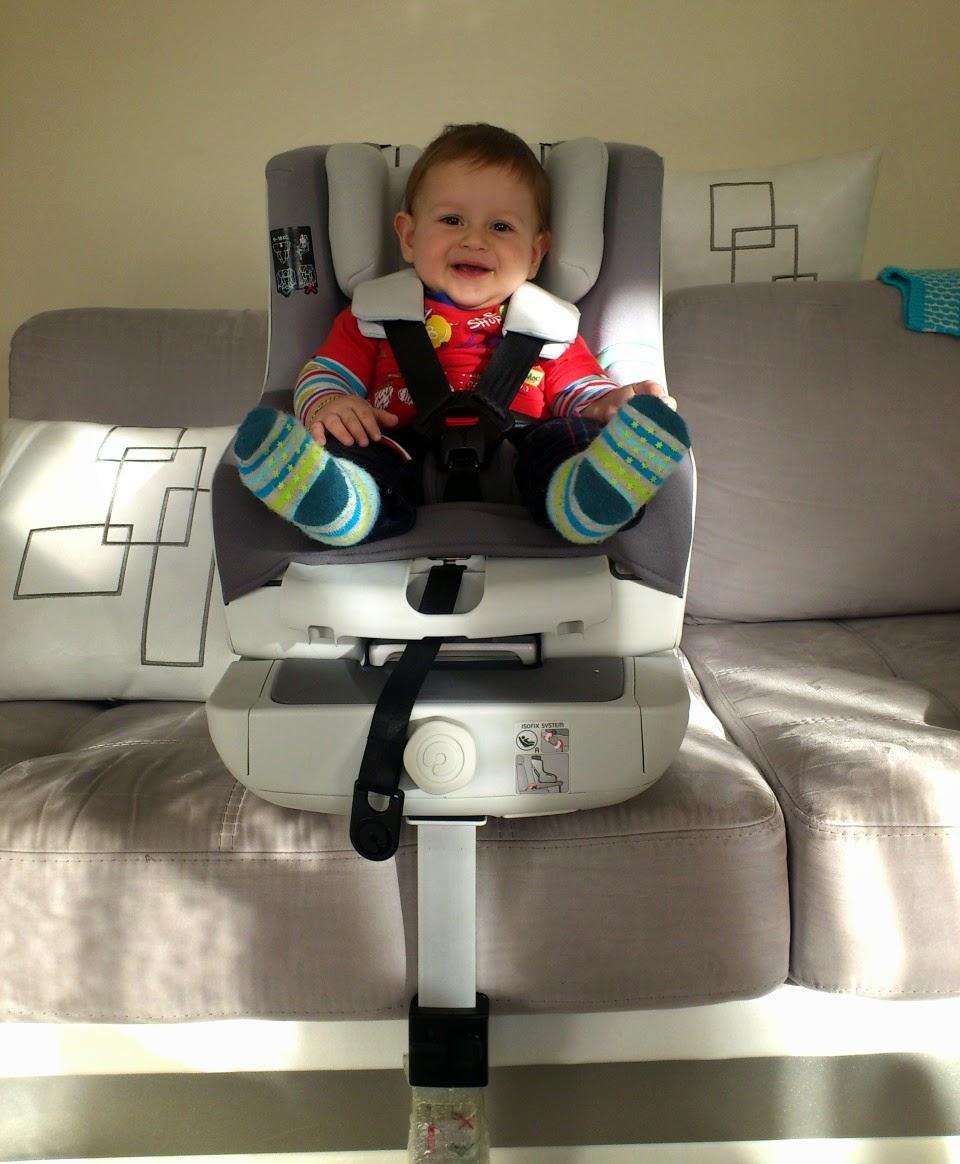 concorde oto koltuğunda bebek