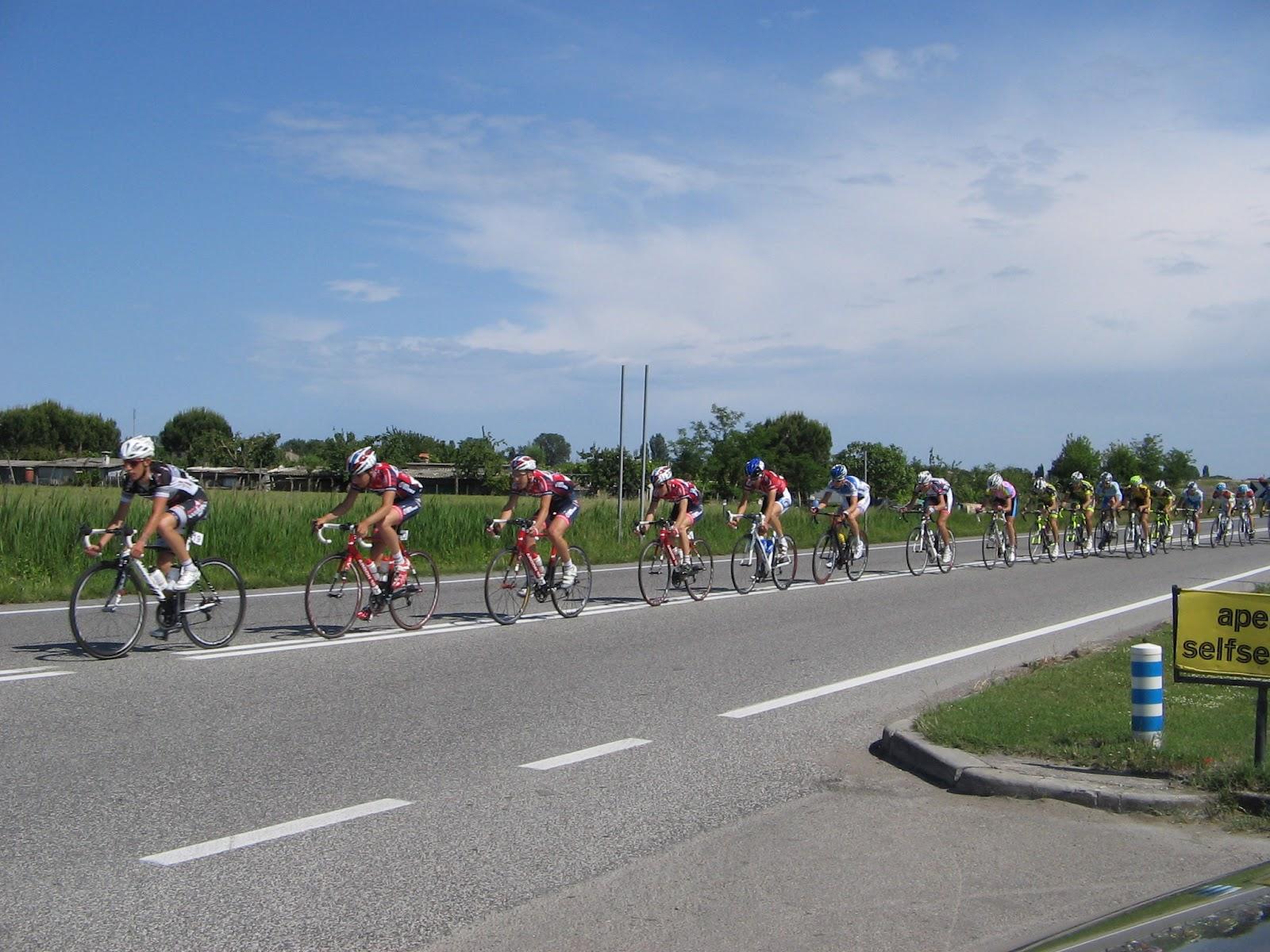 Giro ciclistico pesca e nettarina di romagna la terza for Oggi in romagna