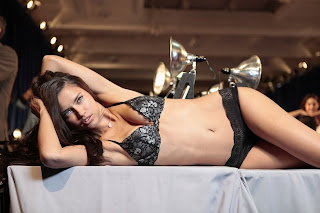 Adriana Lima Totaly Spicy and Hot presented on Table in a Black Lingerie