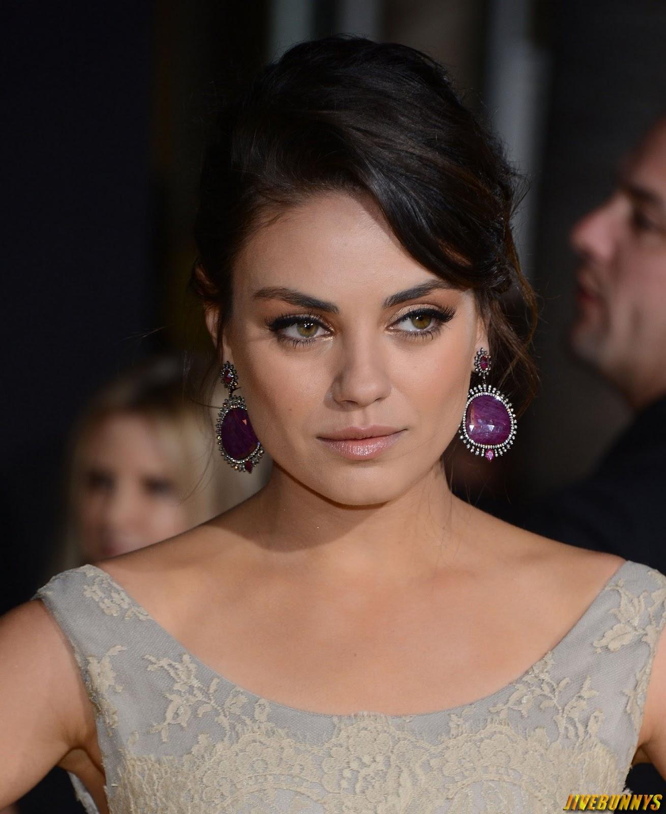 Mila Kunis Hot Actress S Gallery
