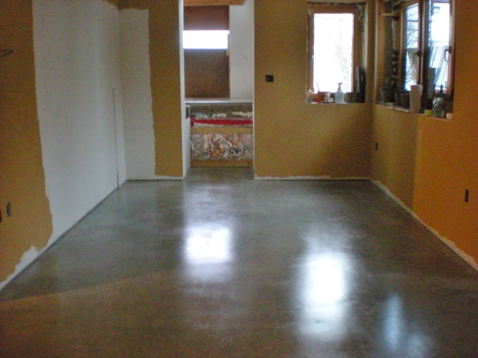 Mode concrete considering concrete floors main benefits for Concrete floor finishes